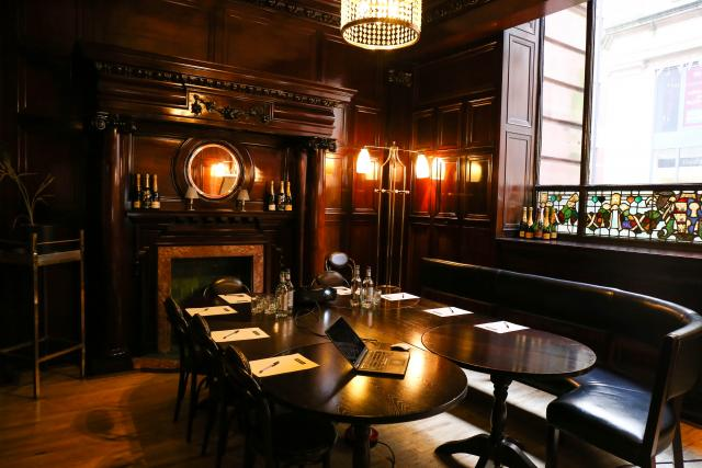 Browns brasserie bar manchester for private venue hire for Best private dining rooms manchester