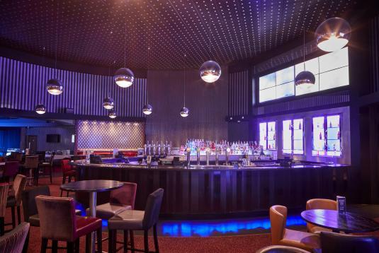 Show Lounge & Bar