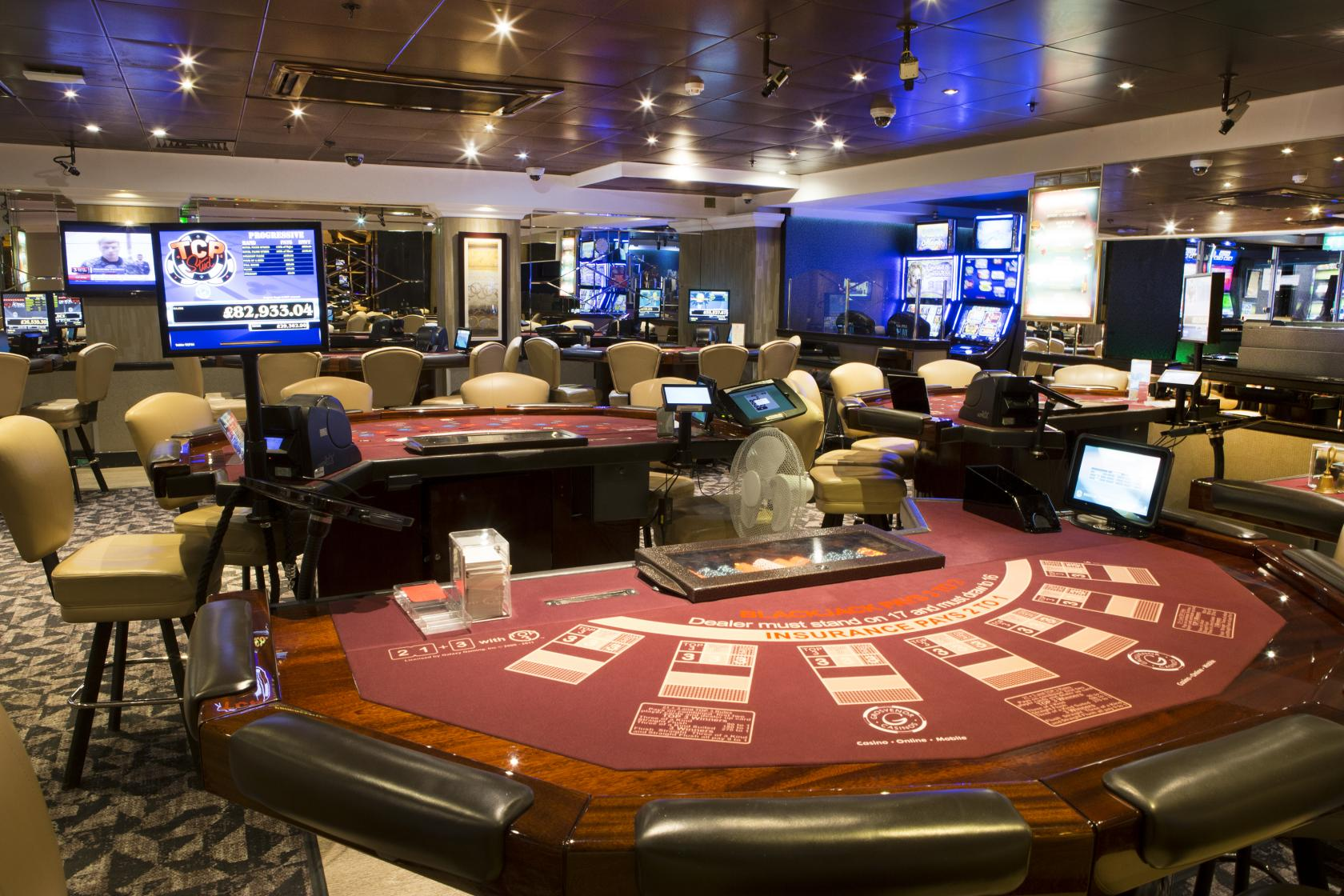 Real money play online casino games canada
