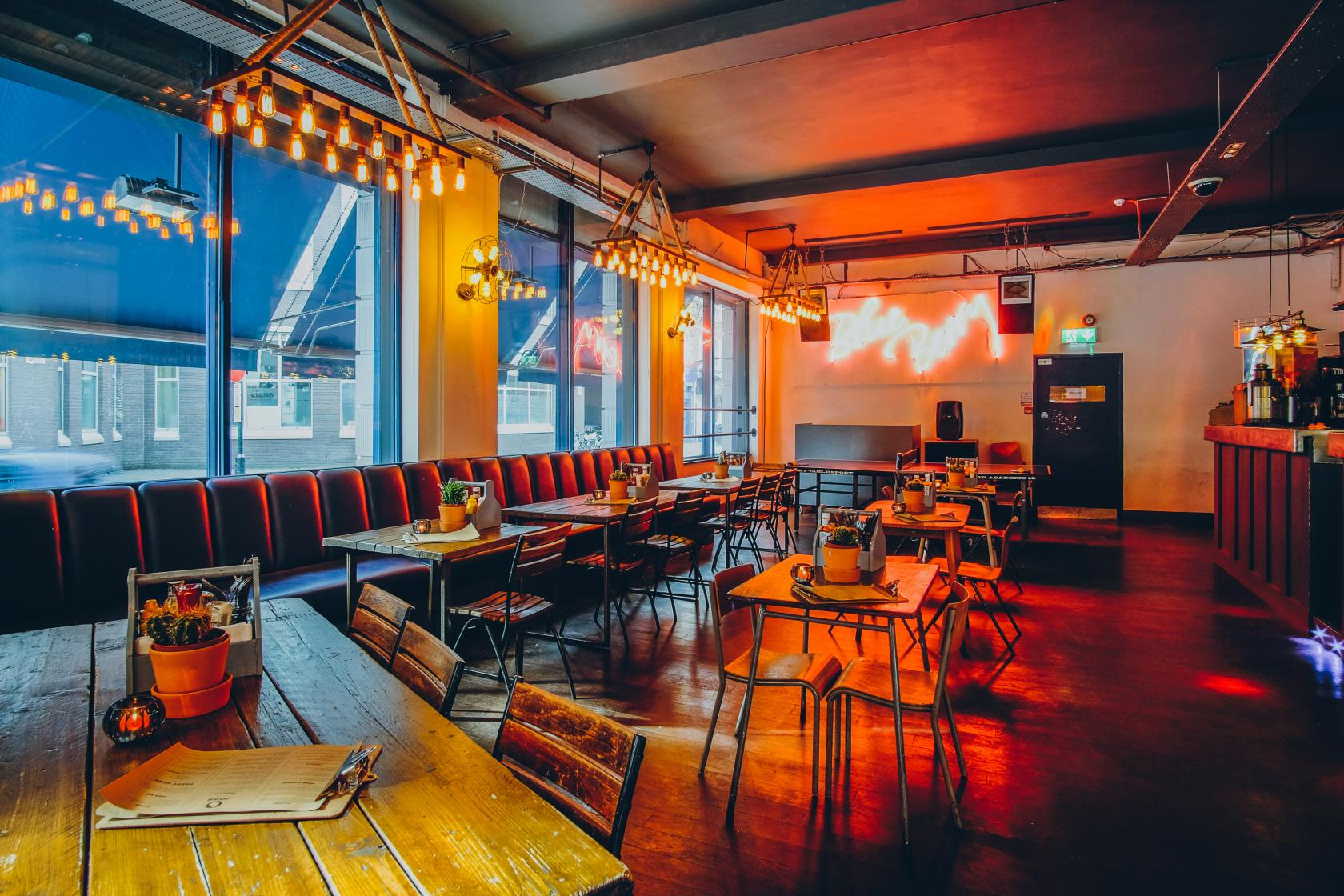 Sink for private venue hire prices reviews tagvenue for Cafe le jardin bell lane london