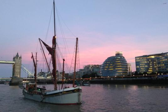 Sailing Barge Will Charter