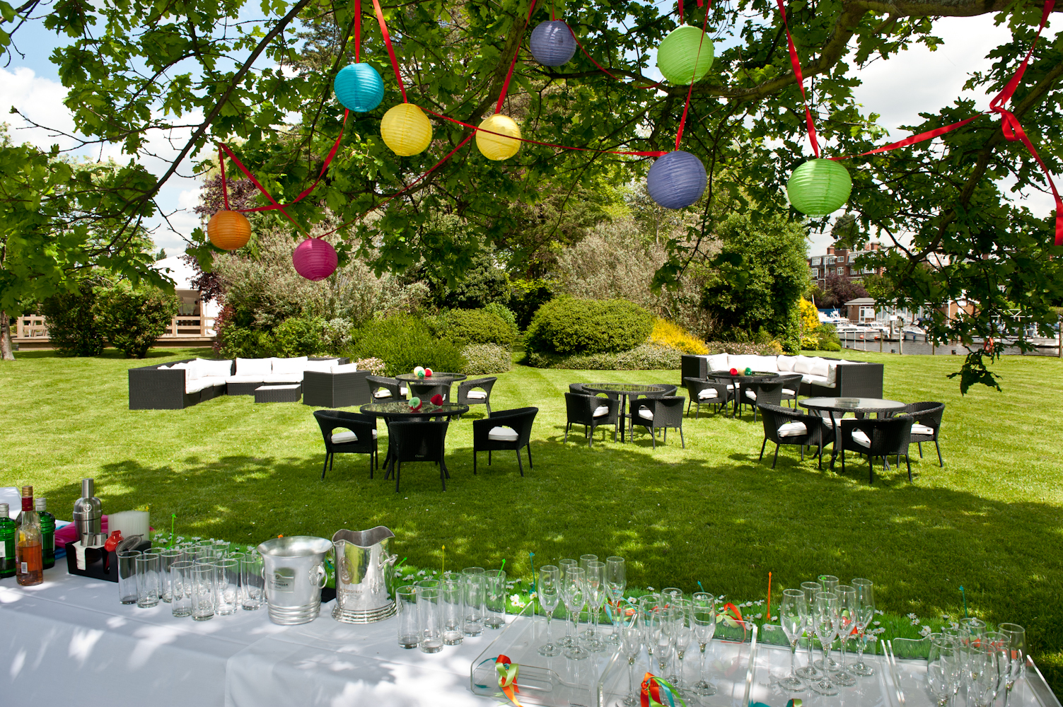 small wedding hotels london%0A Marquee and Lawns at Ravens Ait Island
