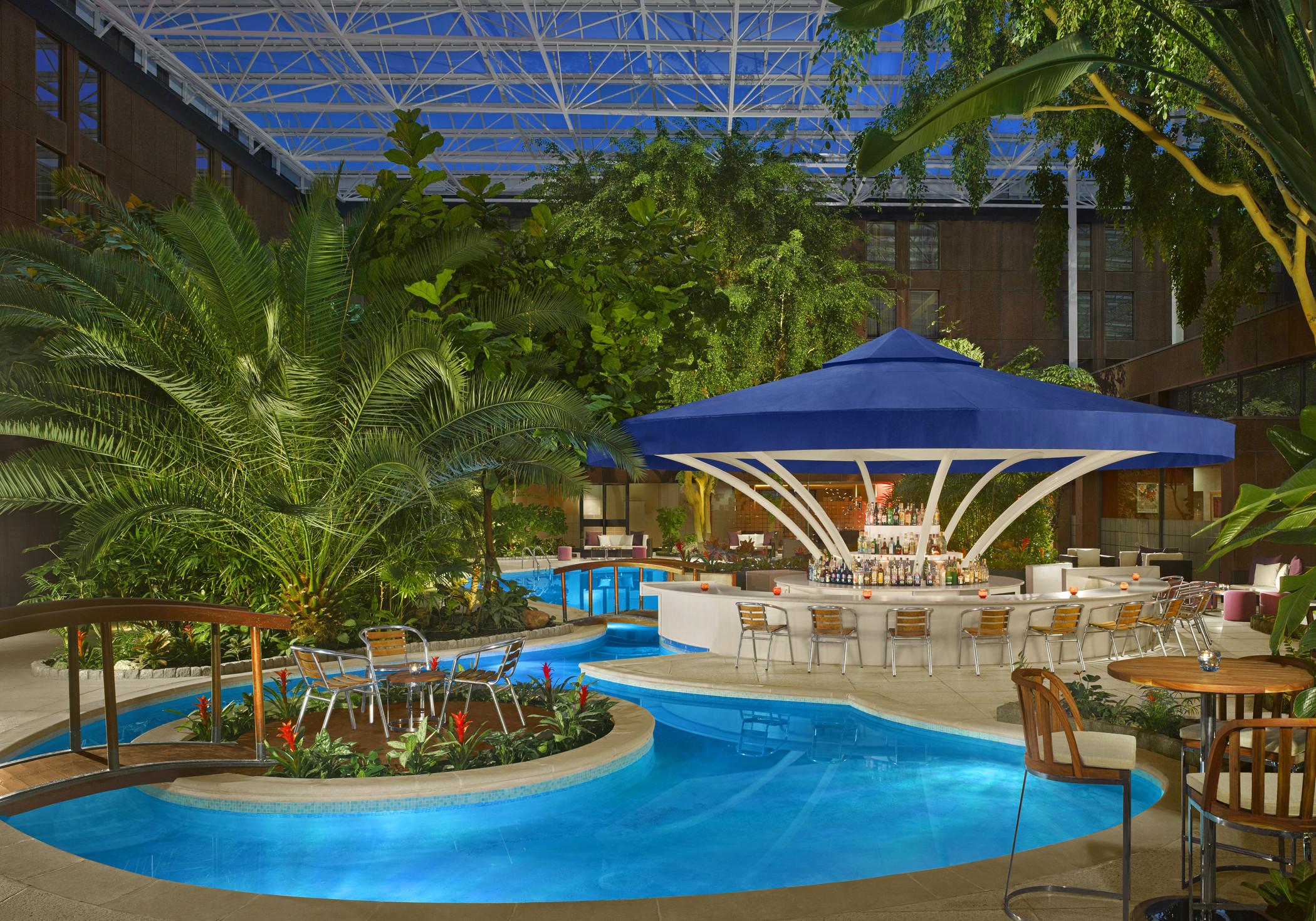 Book sky garden pool at sheraton skyline hotel london for Garden pool book