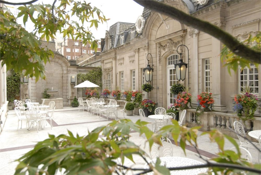 small wedding hotels london%0A The Courtyard at Dartmouth House